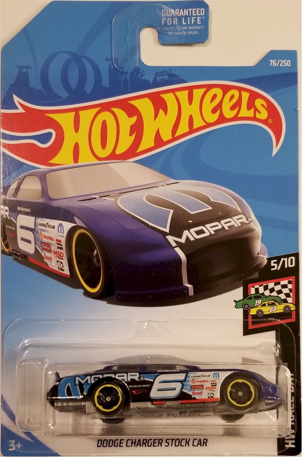 hot wheels 2019 hw race day 5 10 dodge charger stock car. Black Bedroom Furniture Sets. Home Design Ideas