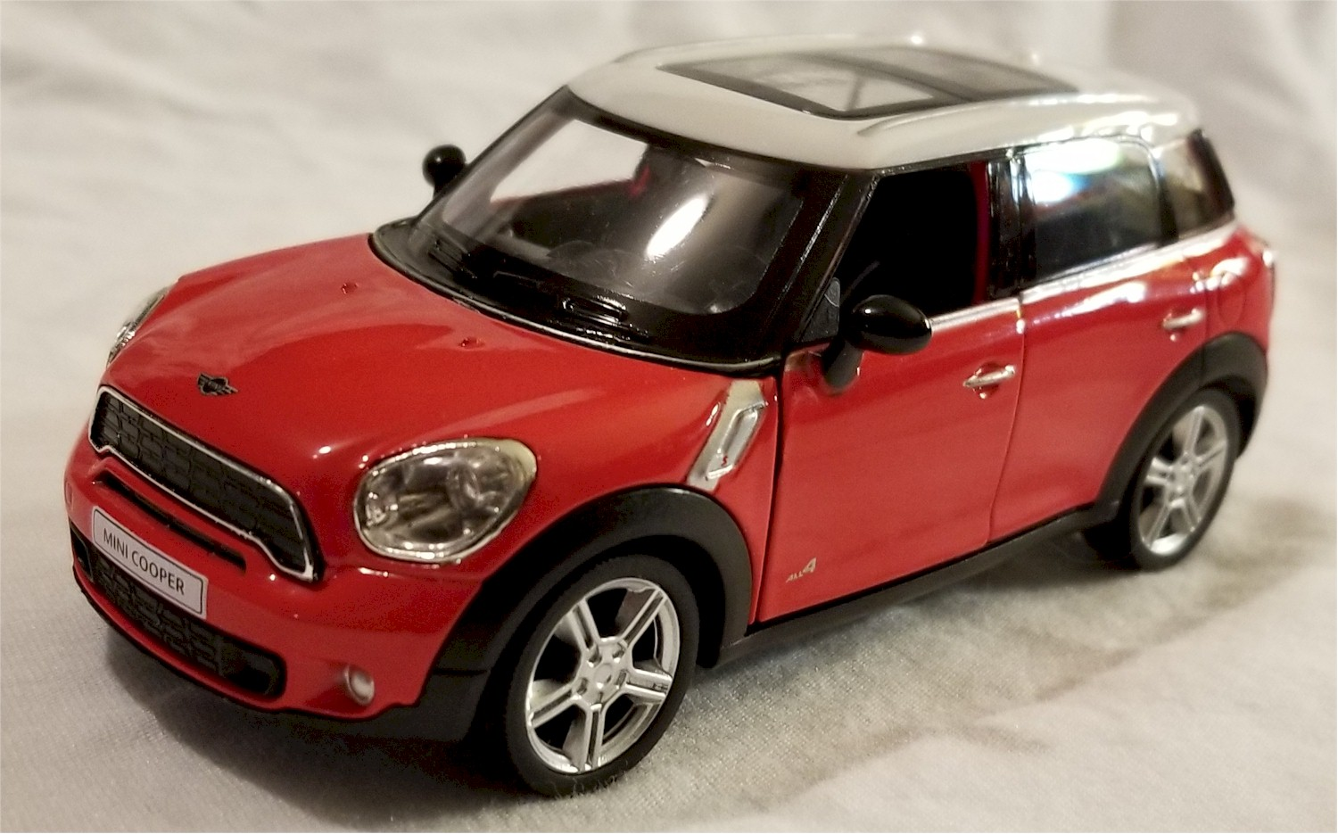 Mini Cooper Models >> Details About Rmz City 5 Scale Model Mini Cooper S Countryman Red Bbuf555001r